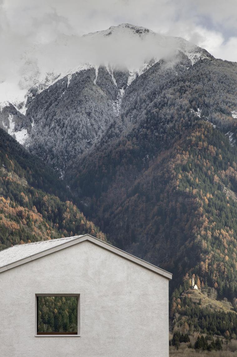 Arquitectura-vivienda-construida-en-entorno-natural-Pedevilla-Architects-2