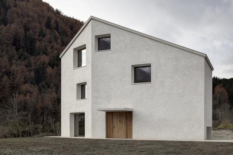 Arquitectura-vivienda-construida-en-entorno-natural-Pedevilla-Architects1