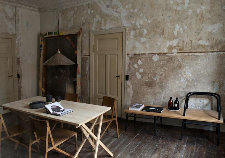 Apartment-Niels-Stroyer-Christophersenm-studio-design-Danois-Frama-en-Copemnhague-Milk-Magazine