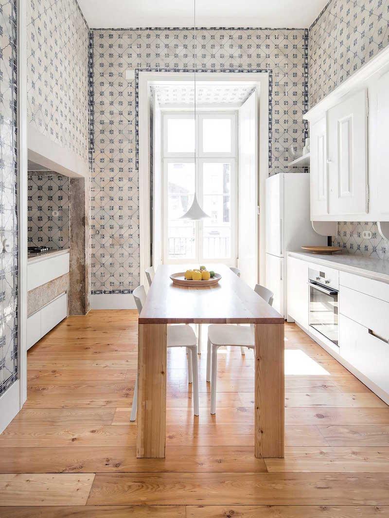 Cocina fusion tradicion e innovacion en un Apartamento en Libsoa por Rar studio
