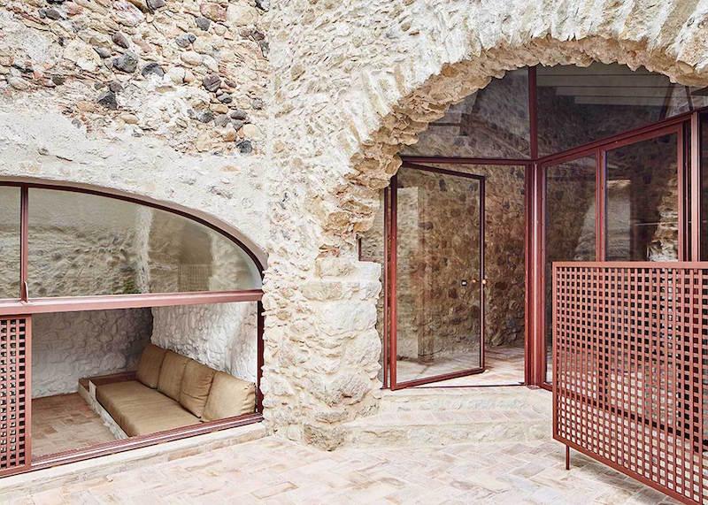 Rehabilitaciona antigua masia en el Emporda Girona por Arquitectura-G 10
