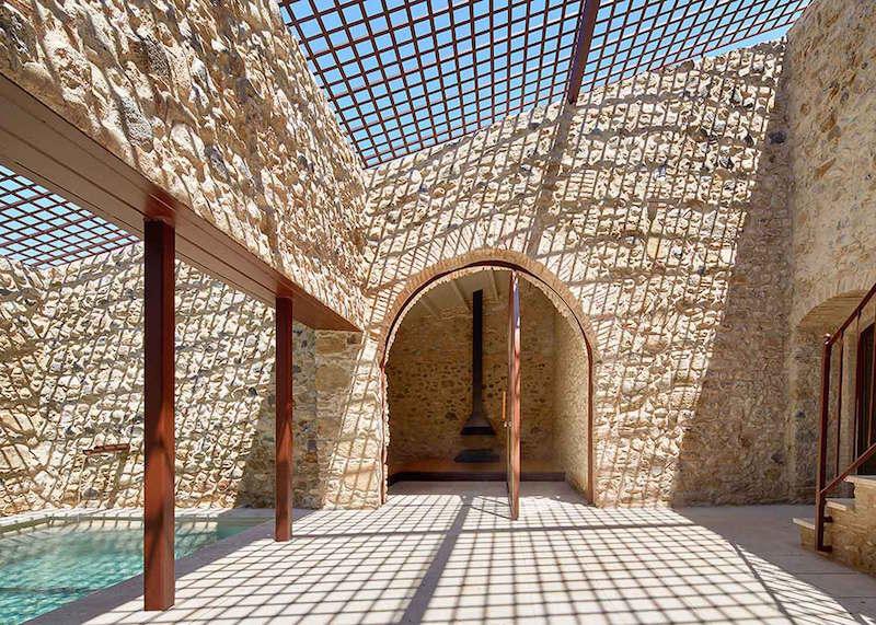 Rehabilitaciona antigua masia en el Emporda Girona por Arquitectura-G 4