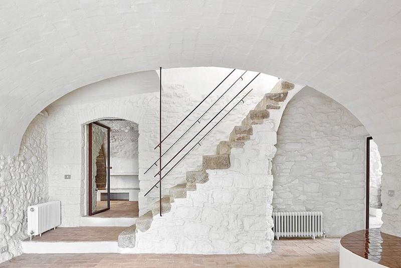 Rehabilitaciona antigua masia en el Emporda Girona por Arquitectura-G