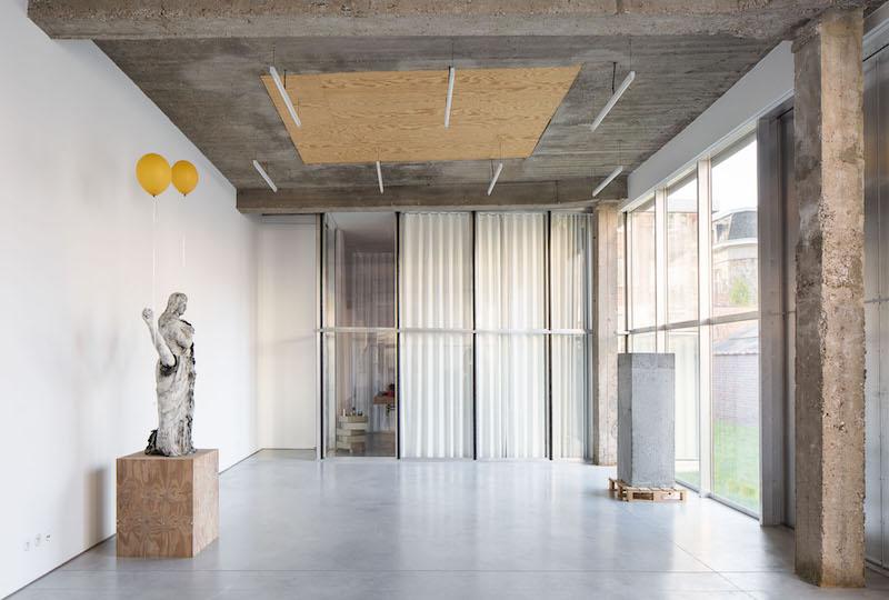 El estudio en Belgica el escultor Thomas Lerooy 1
