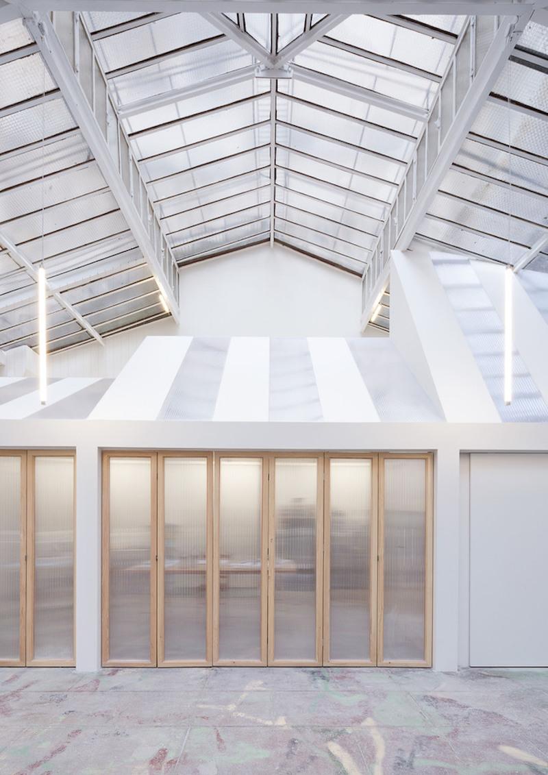 Estudio techos acristalados de un pintor en el centro de Paris patio interior edificio de 1900 1