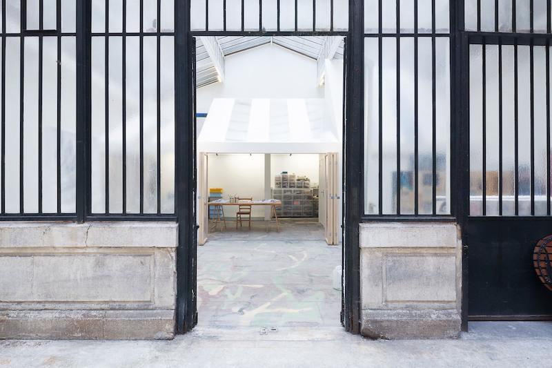 Estudio techos acristalados de un pintor en el centro de Paris patio interior edificio de 1900 5