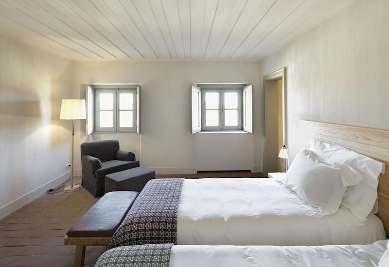 un hotel equitación con 22 suites en Monsaraz, Portugal 5