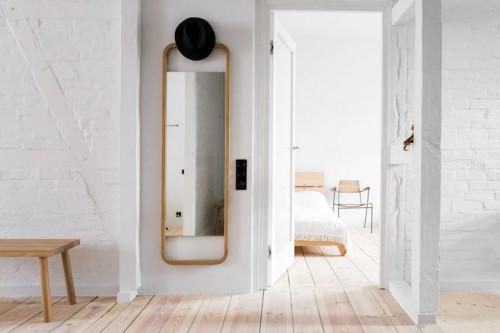 dormitorio calido tendencia decoracion mobiliario minimalista y mucha madera