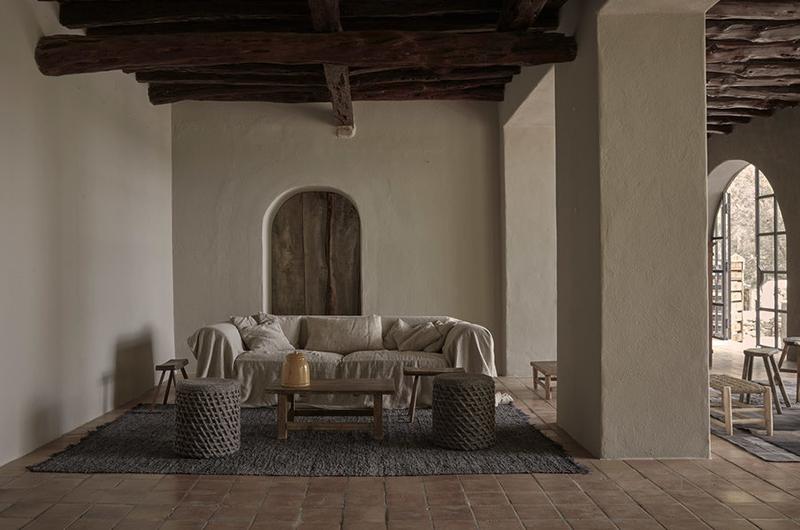La Granja hotel en Ibiza FarmHouse decoracion sencilla casi austera para un hotel de lujo 3