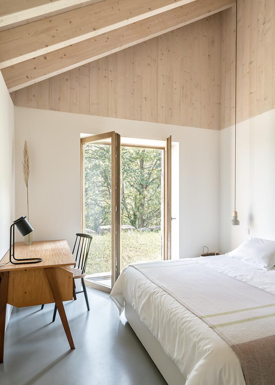 vivienda en el campo para desconexion arquitectura amplios ventanales 2